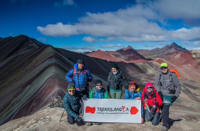 montagna-arcobaleno-perù-trekking