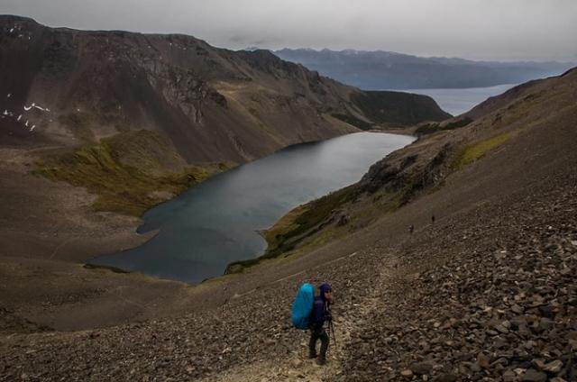 trekking-in-patagonia-più-australe-del-mondo-discesa-verso-canale-di-beagle