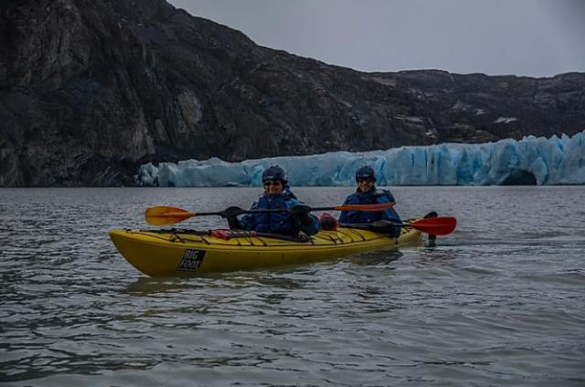 kayak-patagonia-lago-grey-parco-nazionale-torres-del-paine