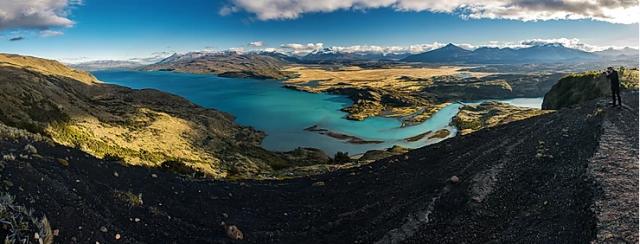 trekking-torres-del-paine-lago-toro