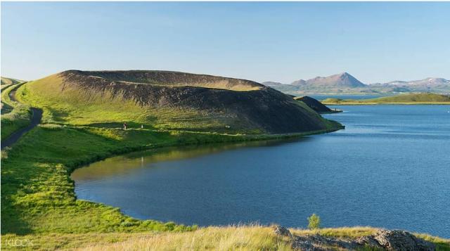 lago-vulcanico-myvatn-viaggio-in-islanda