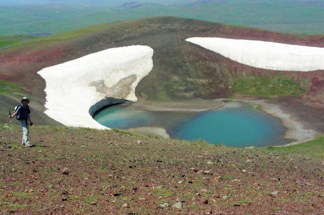 trekking-in-armenia-lago-garmir-estate-2018
